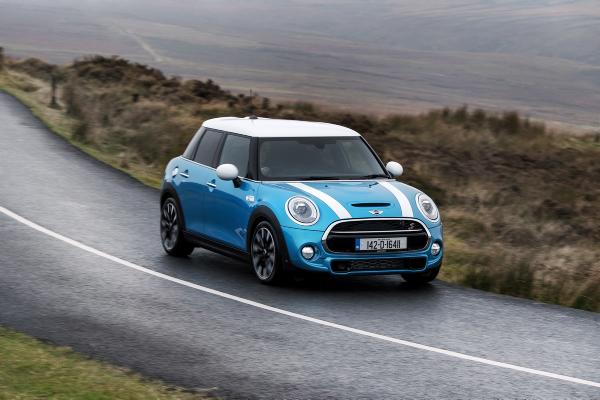 The New Mini 5 Door Offers More E Rear Legroom Without Compromising On Go Kart Driving Eal Prices Start At 21 210 For Entry Level