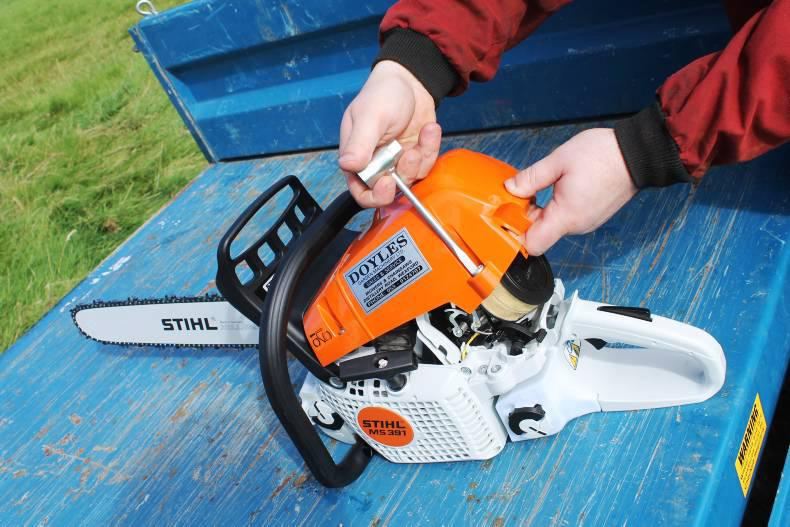 For servicing on the Stihl, the top cover is held in place with screws. The air filter 'clicks' into position.