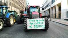 Farmers protest outside EU agriculture meeting