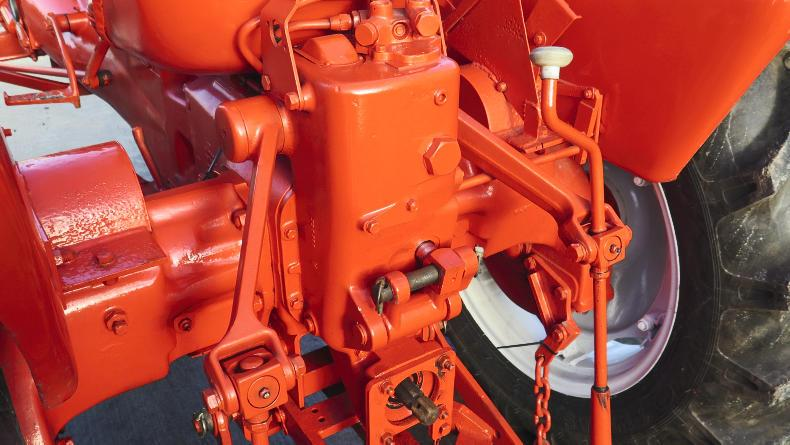 This shows the rear of Michael O'Neill's Allis Chalmers ED40 where Michael had to replace sections of the lift arms with the help of LF Engineering in Clondra, to match the original cast units.