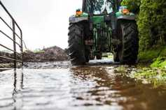 Monday management: wet land, wet grass and wet roads