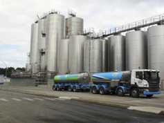 Fonterra cuts New Zealand milk output forecast by 4%