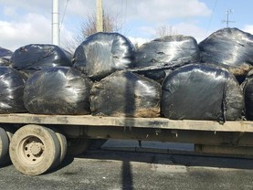 Gardaí stop drivers with unsecured bales